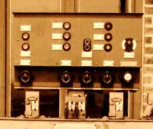 Asmundtorp kontroll-lampskåp
